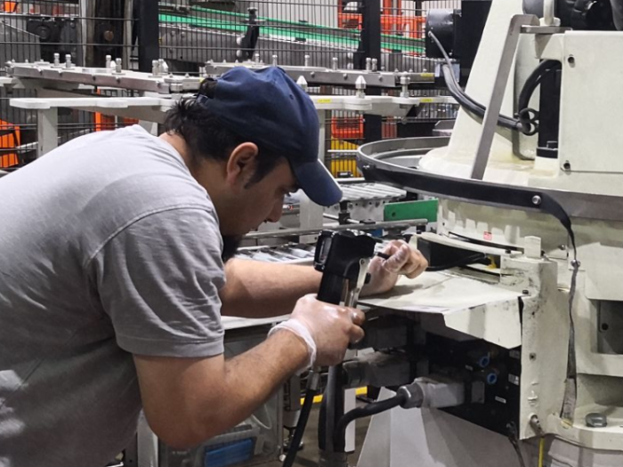 Stacking robots are easier to maintain and repair than older systems