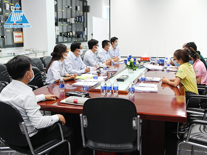 Hao Phuong warmly welcomed the leader of C.P Viet Nam